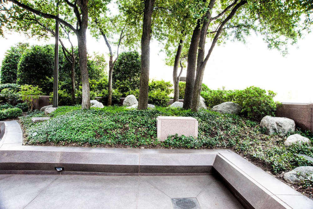 New Japanese garden surrounds Dallas high rise (5/6)