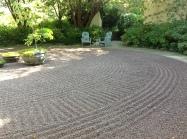 gravel patterns change periodically